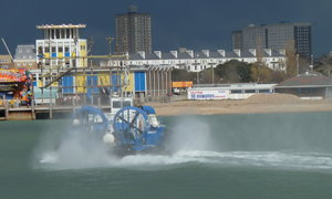 Hovercraft from IOW to Southsea